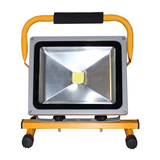 Kibernetik Projecteur LED 30 Watt, avec support